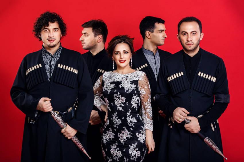 Кети Габисиани и «Театральный квартет» споют «Сулико» в Тольятти