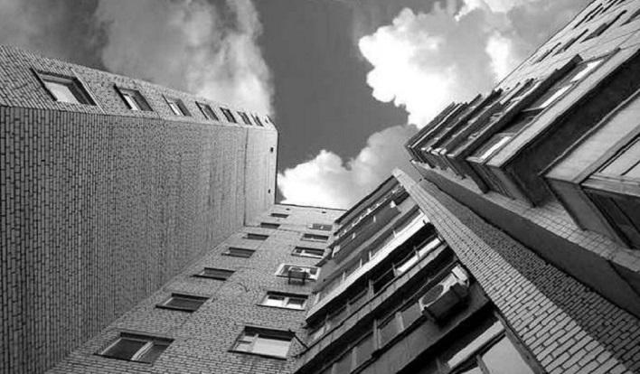 В Тольятти скончался мужчина, упавший с 18 этажа
