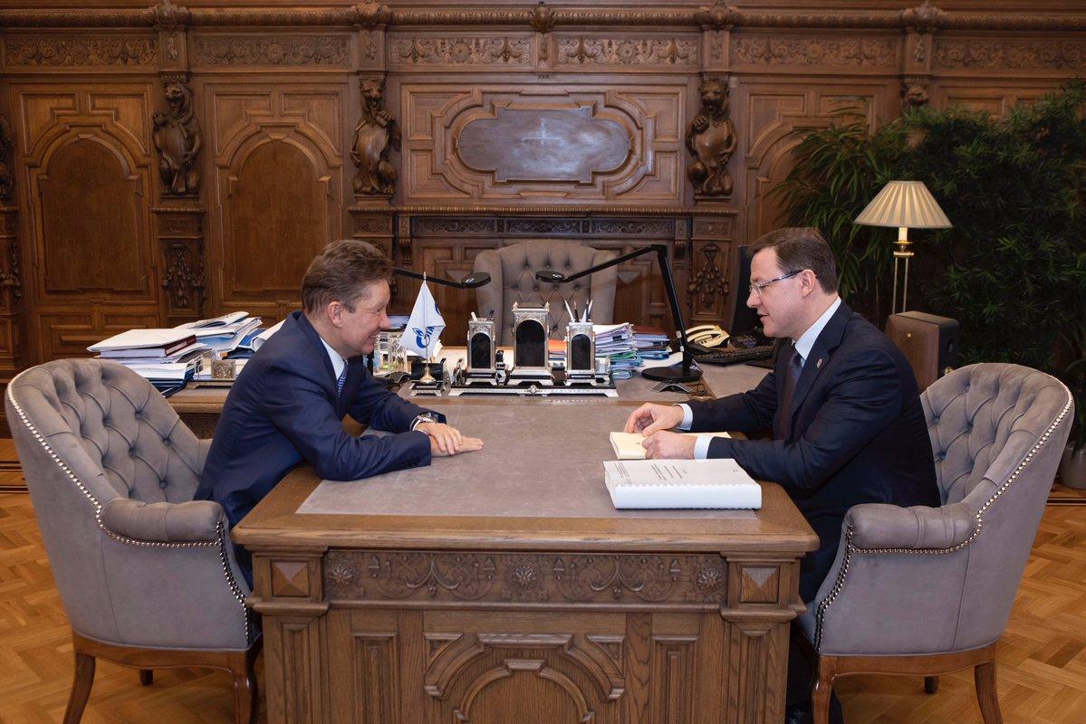 Дмитрий Азаров провел рабочую встречу с Председателем Правления ПАО «Газпром»