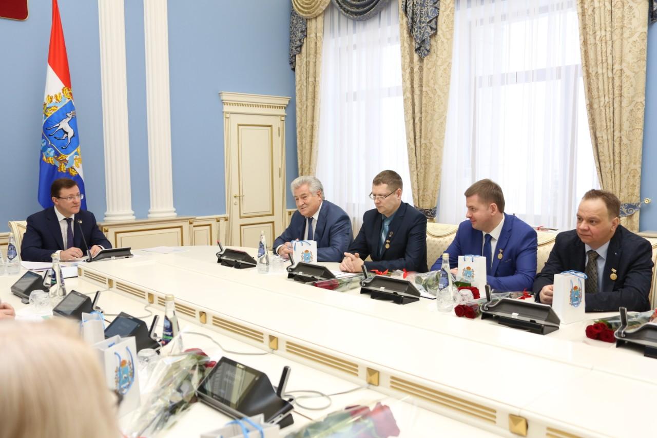 Дмитрий Азаров вручил награды ученым Самарской области
