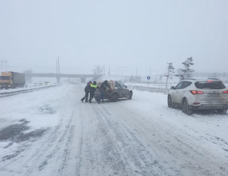 Пострадал ребенок: В ГИБДД рассказали о крупной аварии на Обводном шоссе