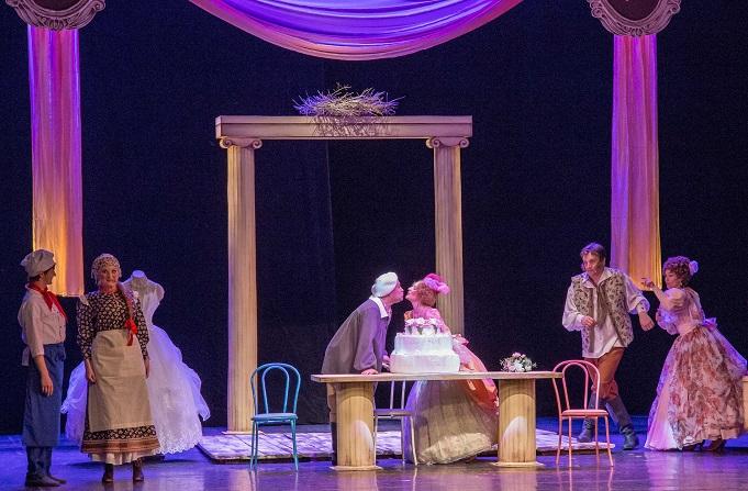 Театр «Колесо» повысил зарплату сотрудникам на 6 тысяч рублей