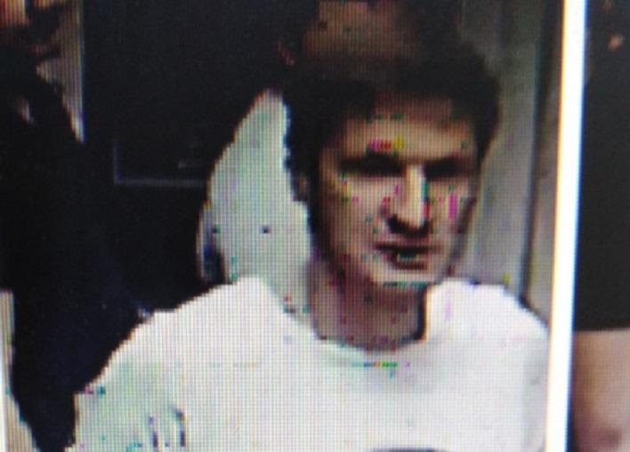 Полиция объявила в розыск дебошира, избившего женщину в тольяттинском магазине