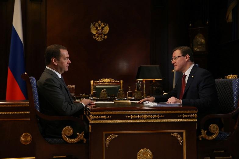 Азаров и Медведев обсудили АВТОВАЗ, нацпроекты и «Оздоровление Волги»