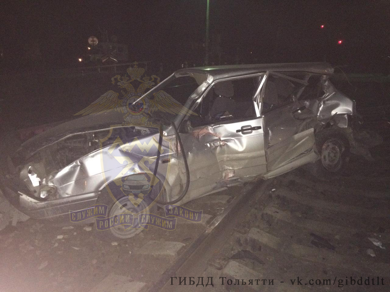 В Тольятти поезд протаранил автомобиль