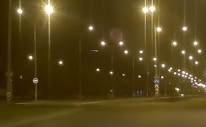 Тольяттинцы сняли на видео падение неизвестного объекта в небе
