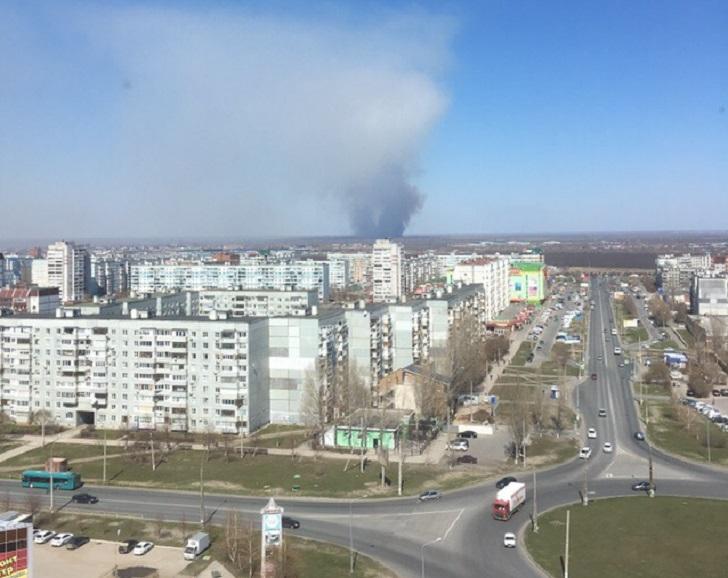 Под Тольятти 34 человека тушили склад с зерном