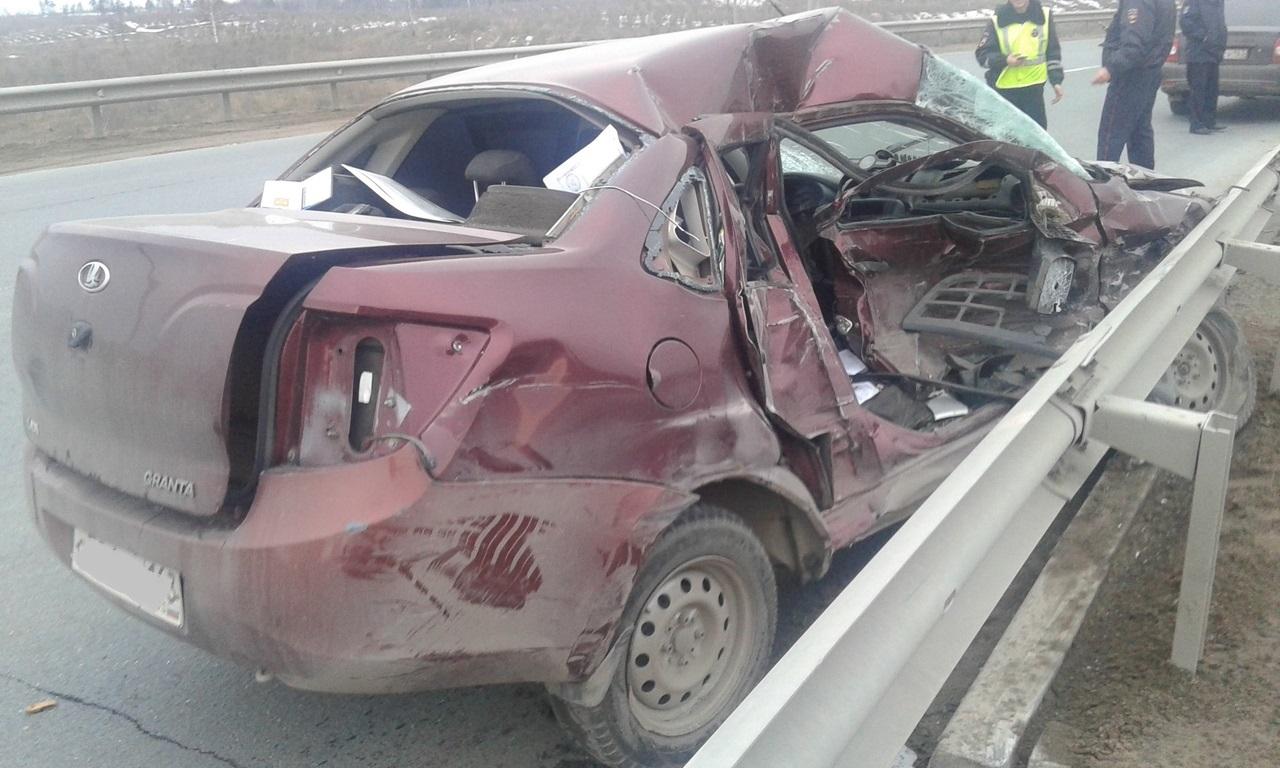 В Тольятти в ДТП с эвакуатором погиб водитель «Лады»