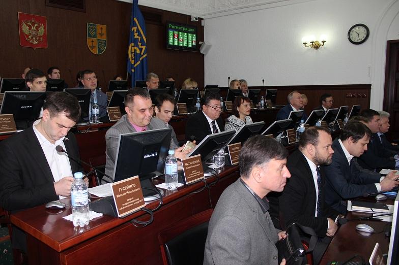 В Тольятти согласовали поправки в бюджет почти на 4 млрд рублей