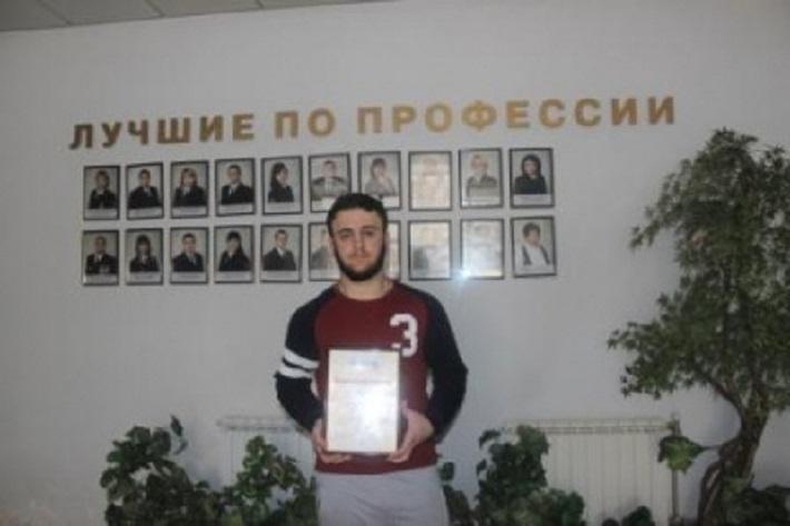 В Тольятти студент обезоружил преступника, напавшего с ножом на человека
