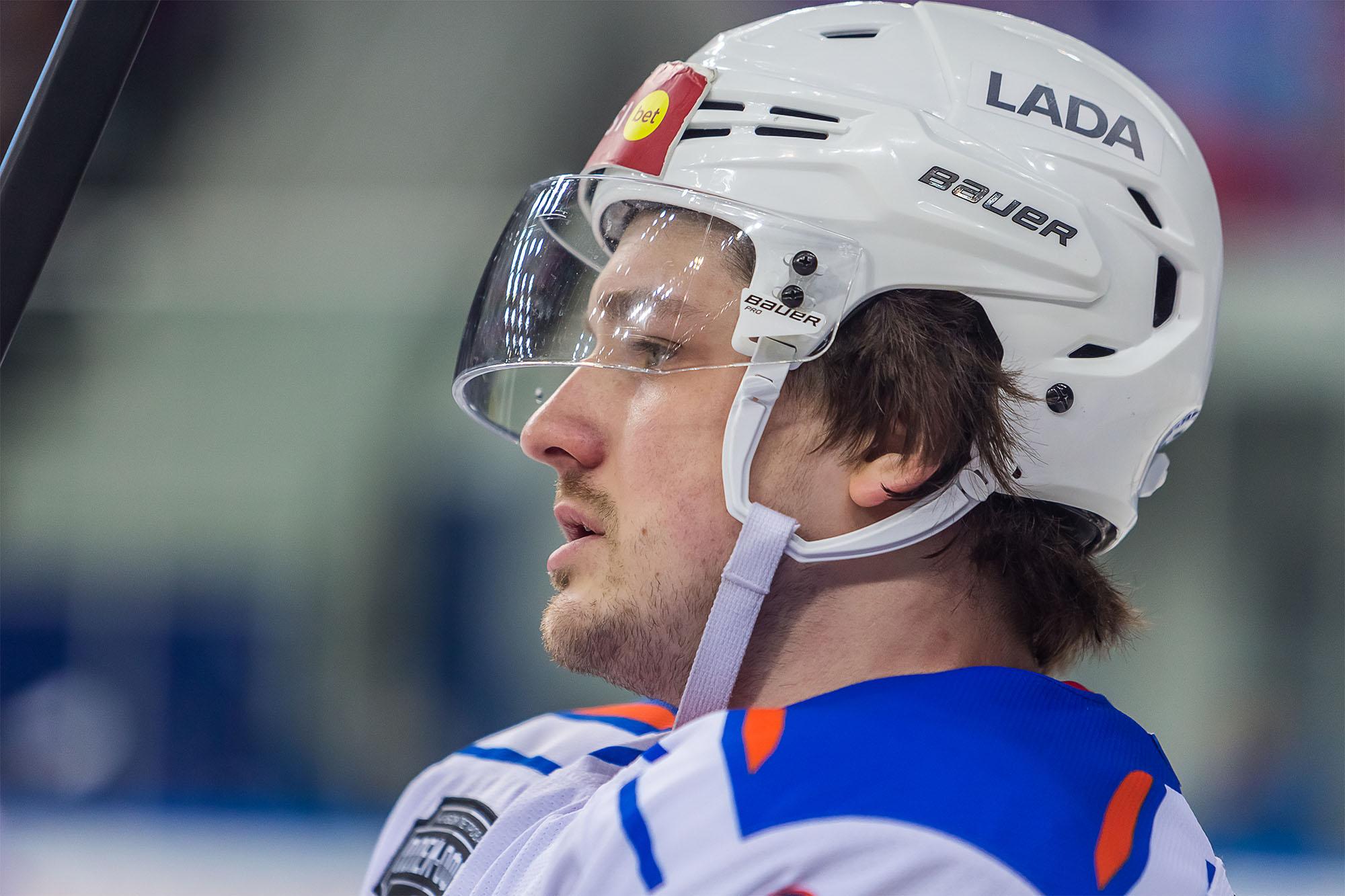 Лучший нападающий «Лады» продлил контракт и отказался от перехода в КХЛ