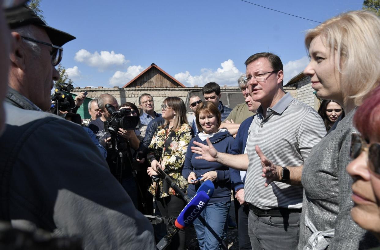 Дмитрий Азаров обсудил с председателями дачных товариществ оплату вывоза мусора