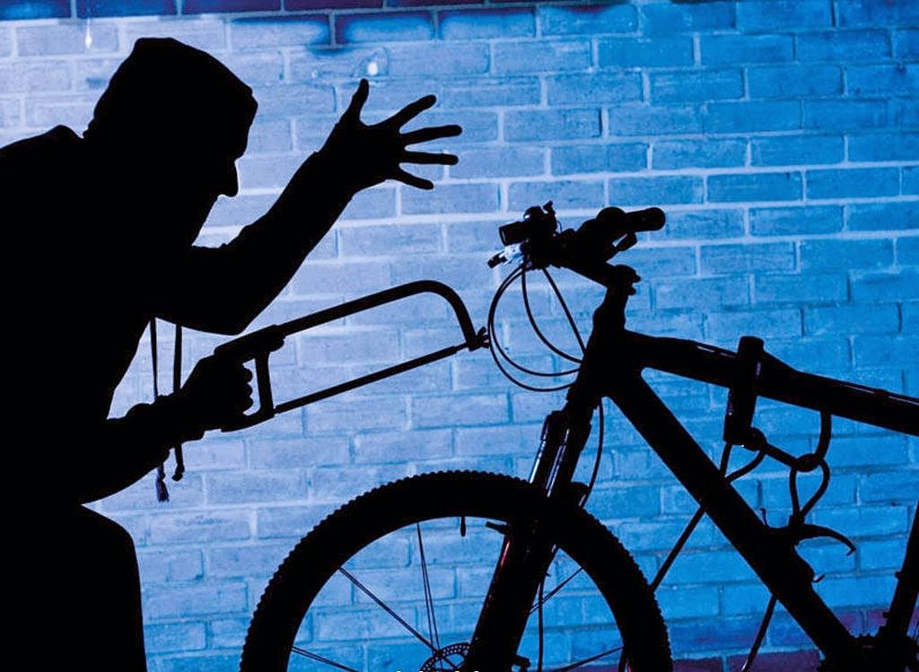 В Жигулевске мужчина пришел в гости и украл два велосипеда