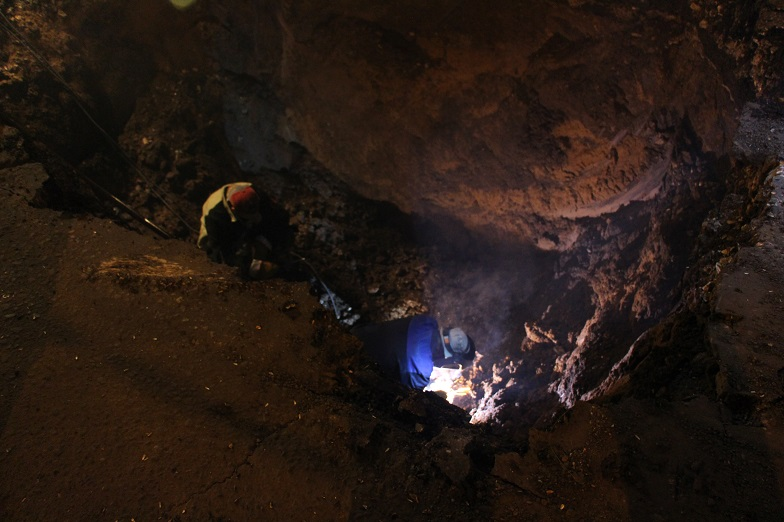 Ночью специалисты РКС-Тольятти провели аварийные работы по устранению течи на улице Баныкина