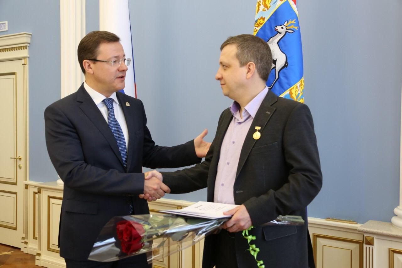 Губернатор Дмитрий Азаров вручил премии и гранты деятелям культуры