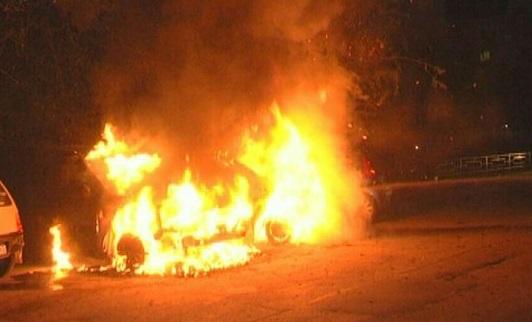 Неизвестные сожгли «Мерседес» менеджера тольяттинского автосалона