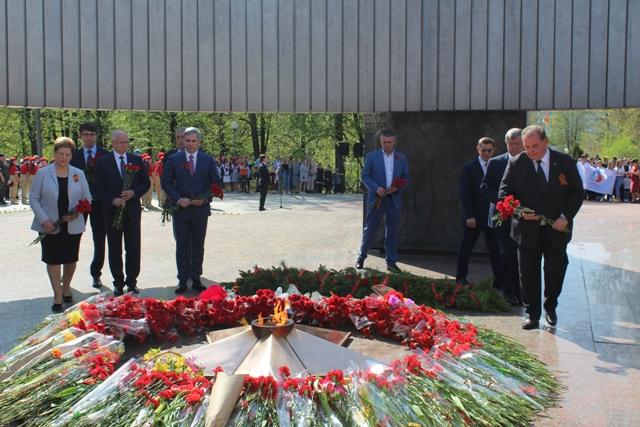 В Тольятти поздравляют ветеранов и чествуют погибших в ВОВ