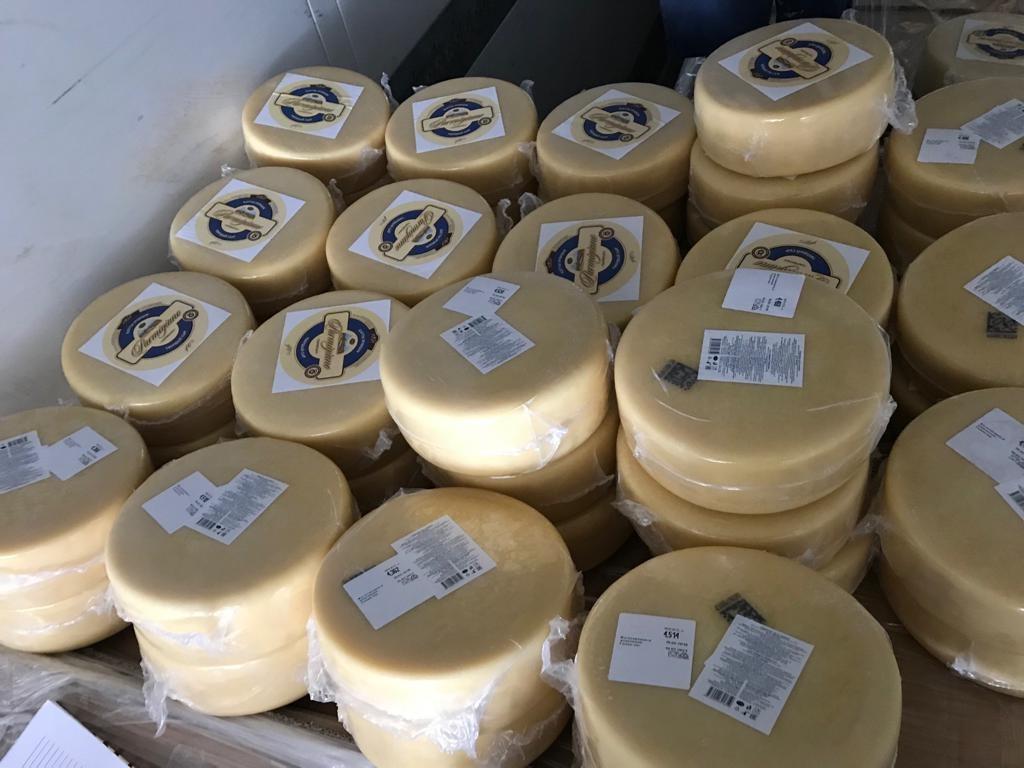 В Самарской области задержали фуру с 20 тоннами подозрительного пармезана