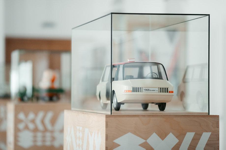 Тольяттинцев приглашают на выставку «История российского дизайна 1917–2017»