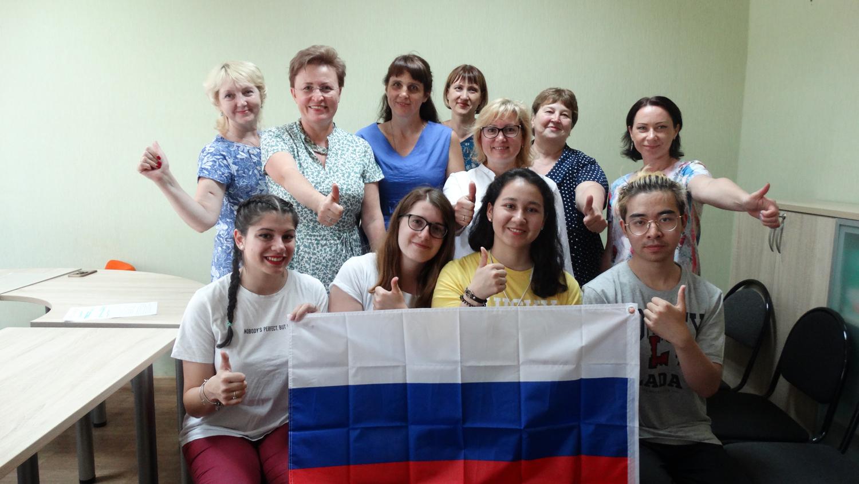 Школьники из Италии, Китая и Парагвая завершили учебный год в школах Тольятти