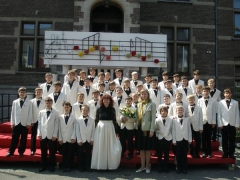 Участники тольяттинского хора «Ладья» споют Путину