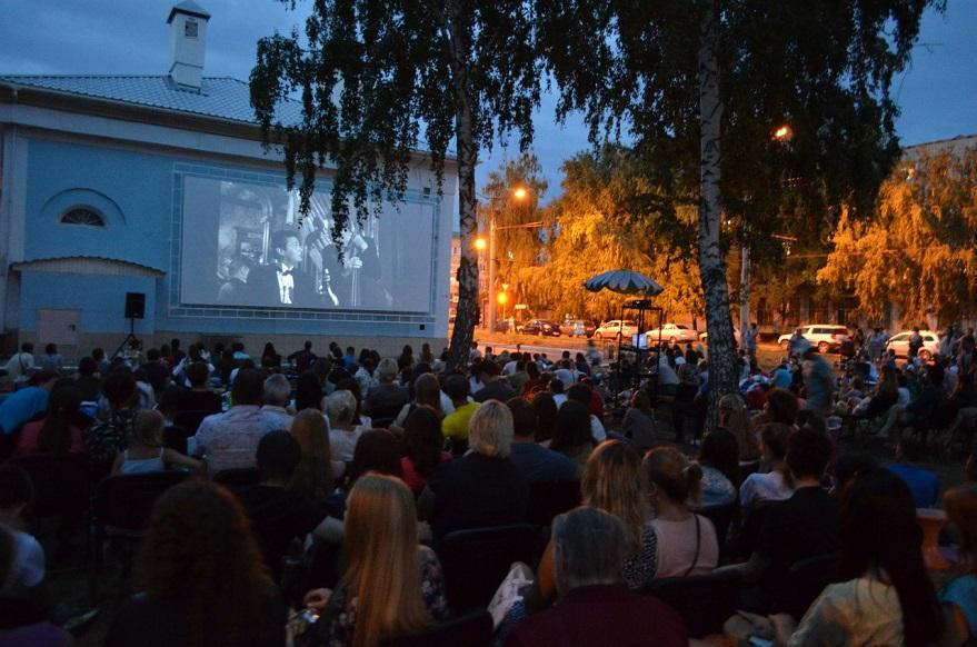 Поклонников кинематографа выгоняют на улицу: в Тольятти пройдет Фестиваль уличного кино