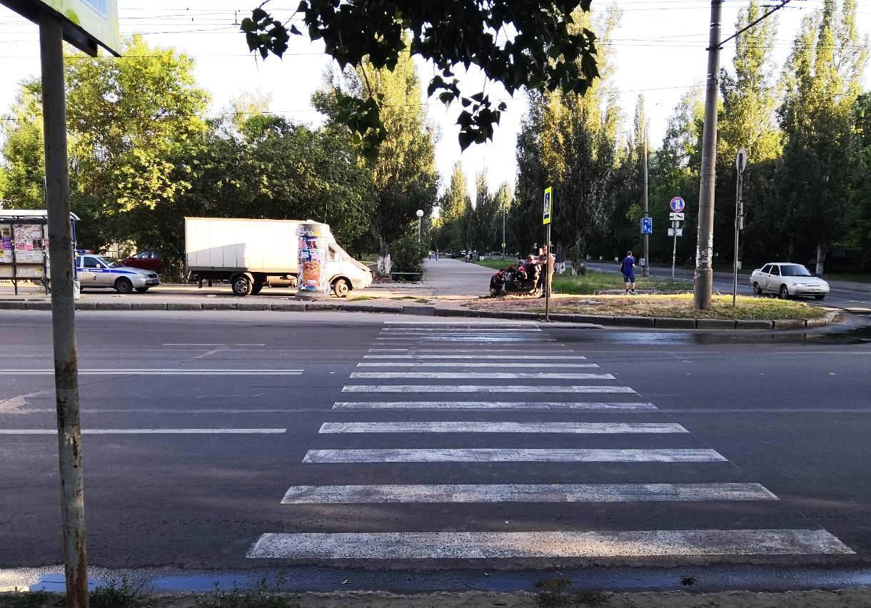 В Тольятти водитель «Калины» сбил ребенка на пешеходном переходе и скрылся