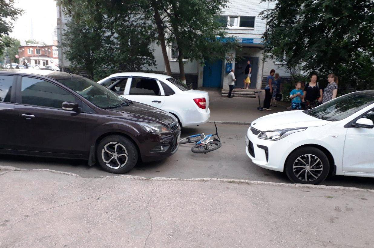 В Тольятти велосипедист нарушил ПДД и попал под колеса «Гранты»