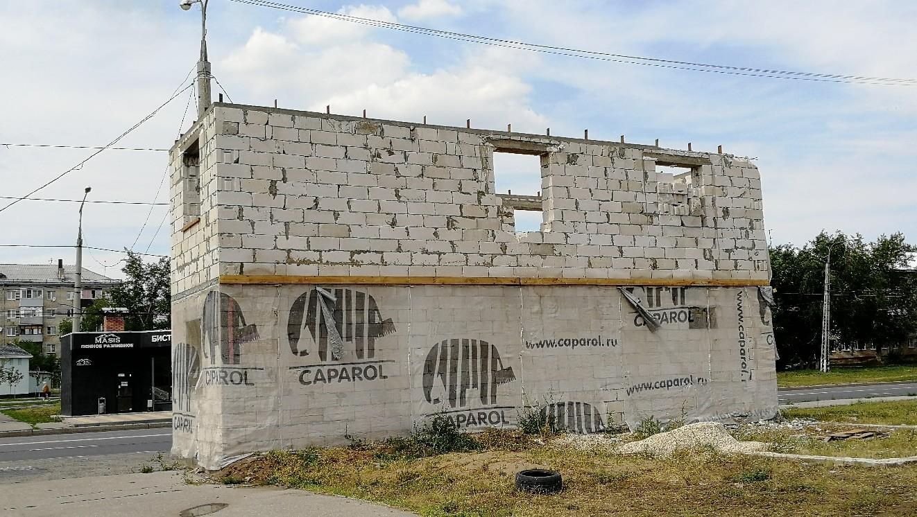«Вечно недовольные» тольяттинцы защищают бизнесменов, чьи торговые киоски сносят у Речного порта