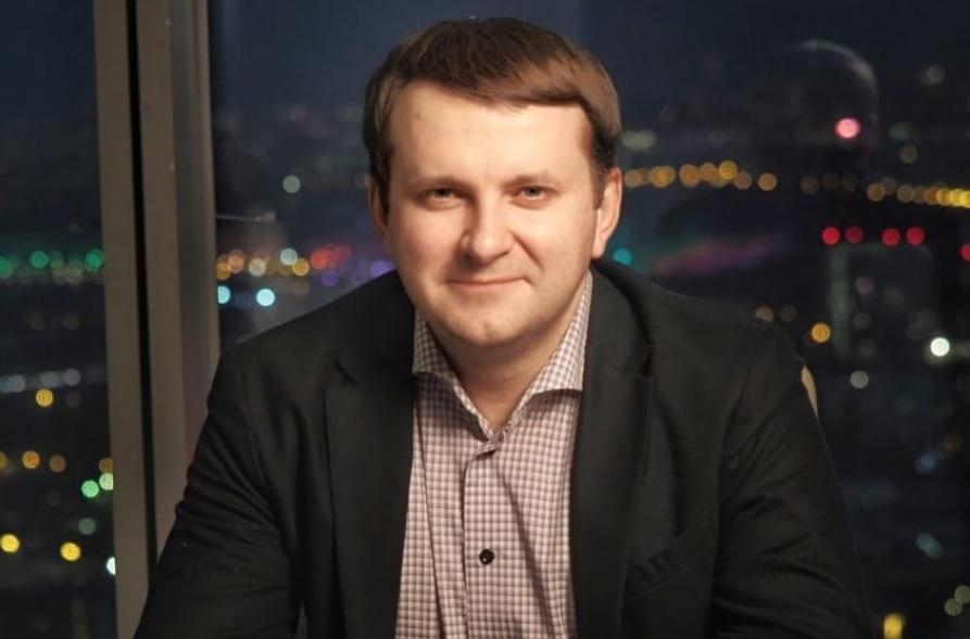 Орешкин собрался доехать из Москвы до Тольятти за рулем Lada Xray