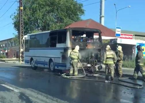В Тольятти автобус загорелся во время движения