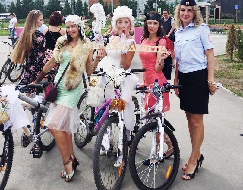 300 красавиц: Велодевичник разукрасил дождливые дни в Тольятти!
