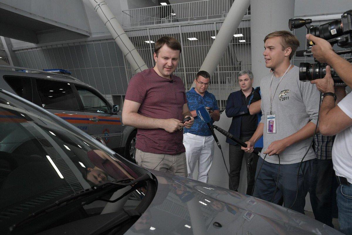 Министр Орешкин оценил Vesta Sport и XRAY
