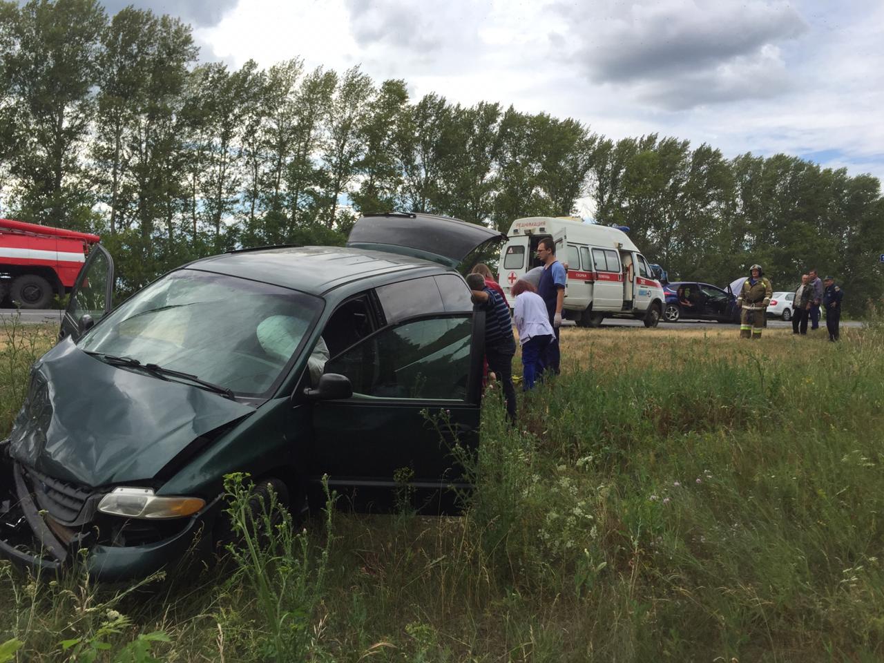 7 человек получили травмы в жесткой аварии под Тольятти