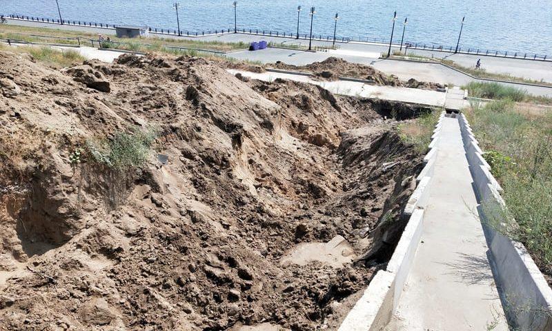 Власти Тольятти объяснили появление новых ям на набережной Комсомольского района