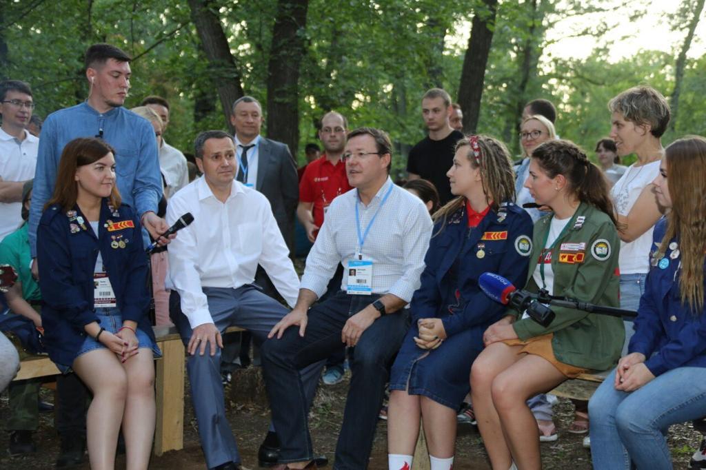 Губернатор Самарской области пообщался с участниками форума «iВолга 2.0»