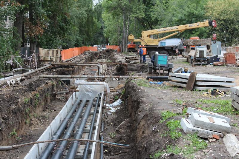 Гарантия 50 лет: Анташев проверил ремонт теплосетей в старом городе
