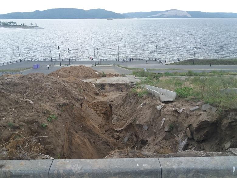 Стало известно, когда починят лестницы на набережной Комсомольского района