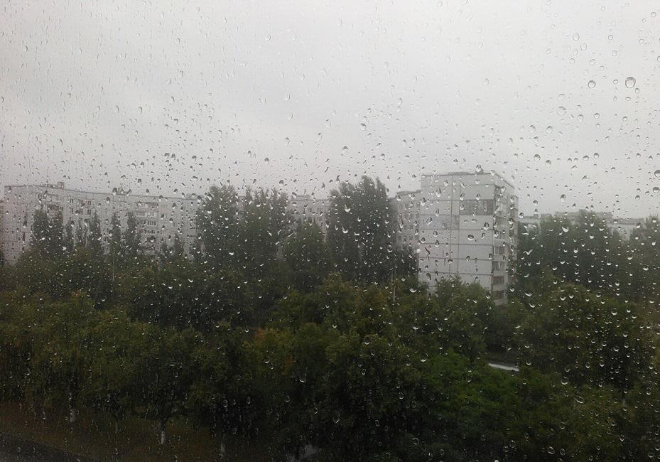 Сильный дождь продлится в Тольятти весь день
