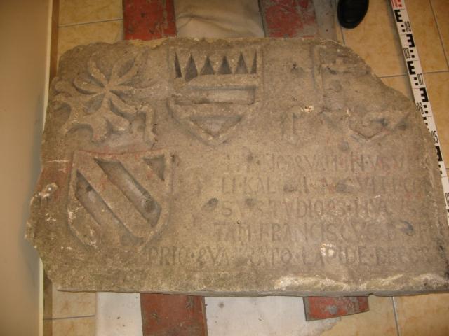В Самарской области нашли 500-летнюю плиту с тайными письменами