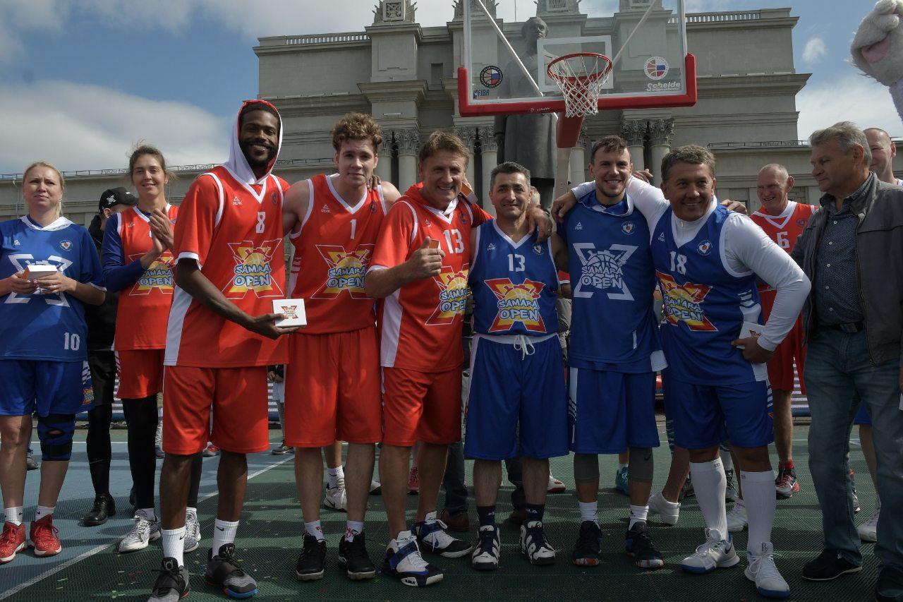 В Самаре состоялсятурнир по баскетболу Samara Open, ставший рекордным по количеству участников