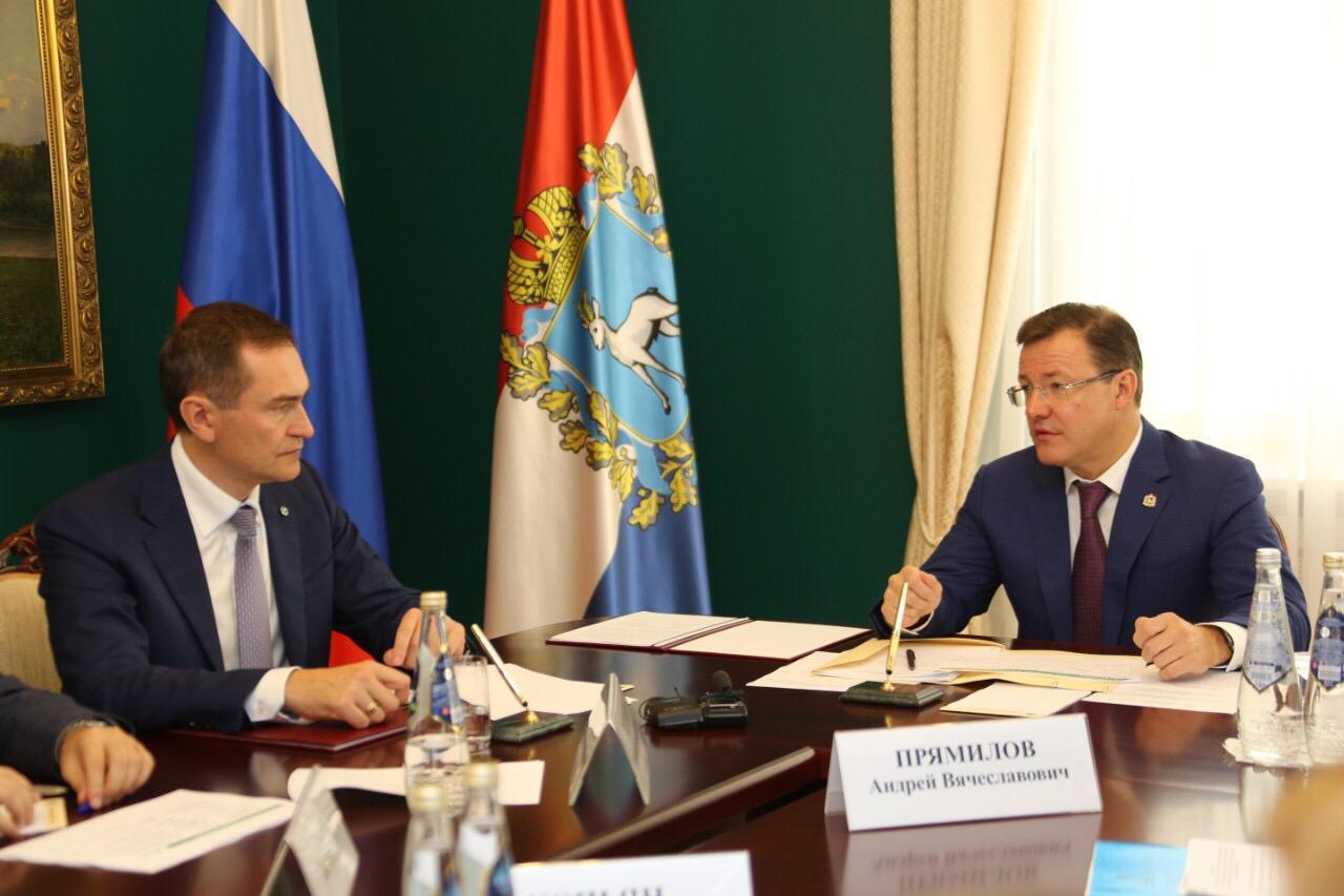Дмитрий Азаровобсудил с руководством Сбербанка новые проекты для реализации в регионе