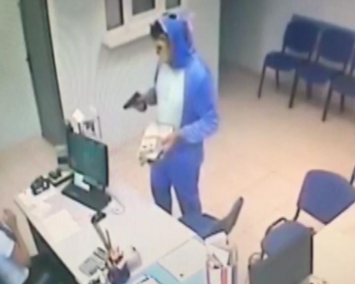 Полиция рассказала подробности нападений «зайца» на офисы микрокредитования в Тольятти