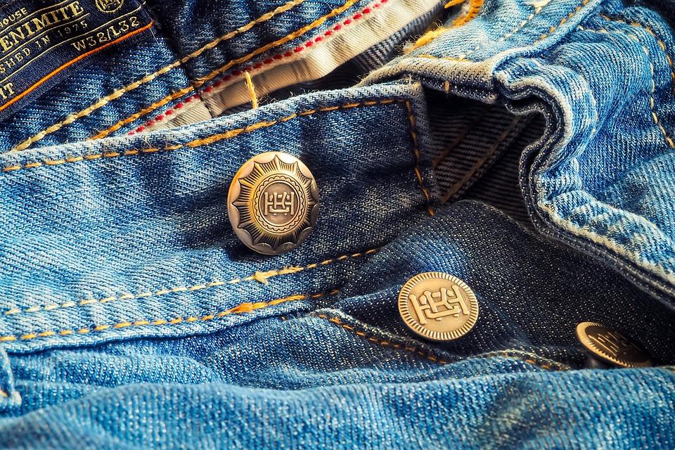 Вторая жизнь вашей одежды: Где в Тольятти принимают текстиль