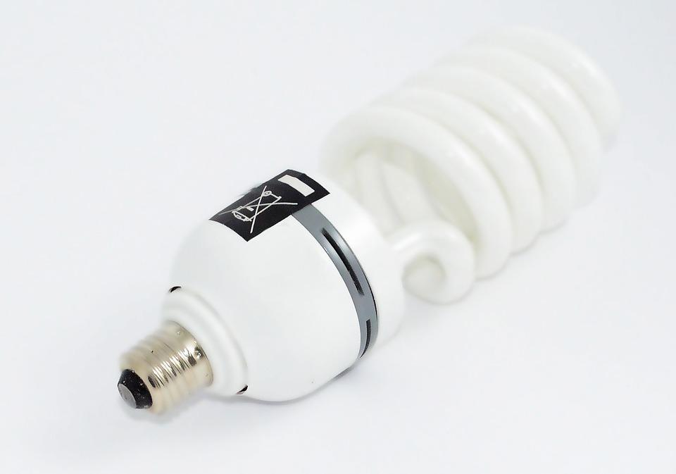 Колоссальный вред: как в Тольятти утилизировать энергосберегающие лампы без вреда для здоровья