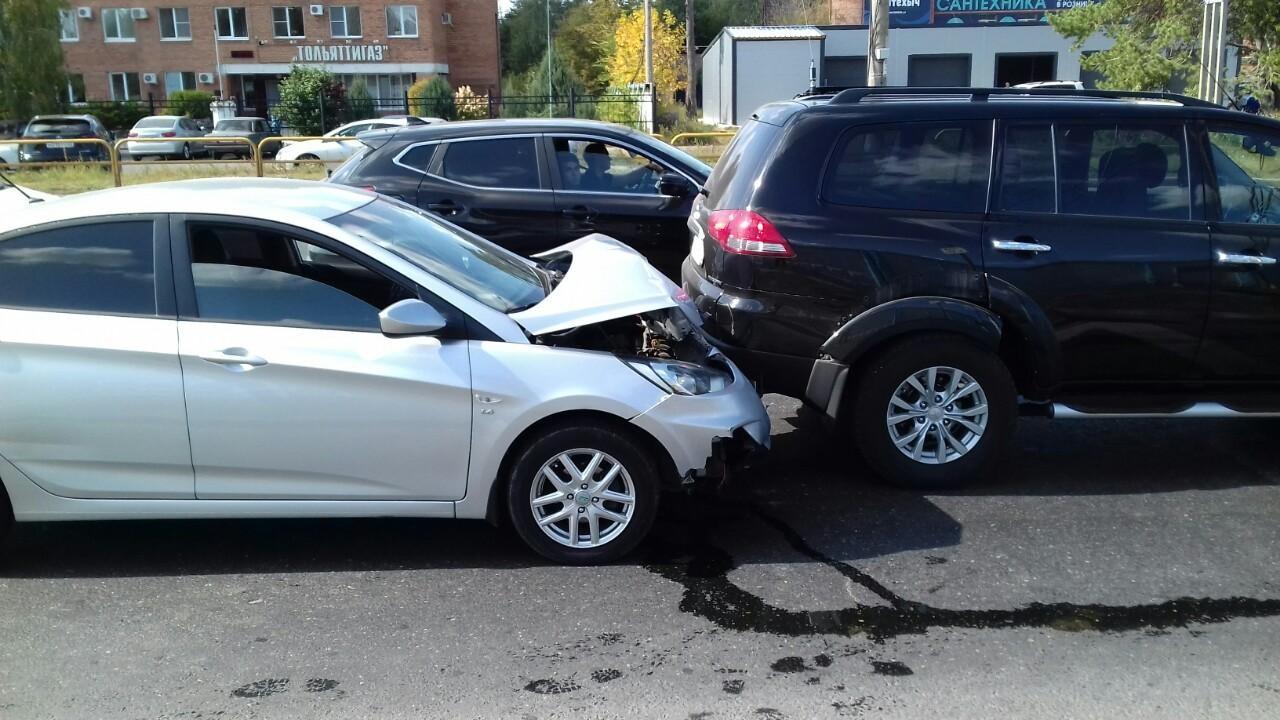 В Тольятти женщина-водитель пострадала в ДТП по собственной вине
