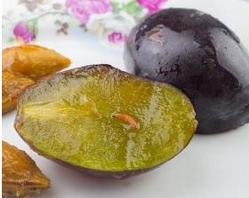 В Курумоче изъяли фрукты, в которых находились опасные вредители