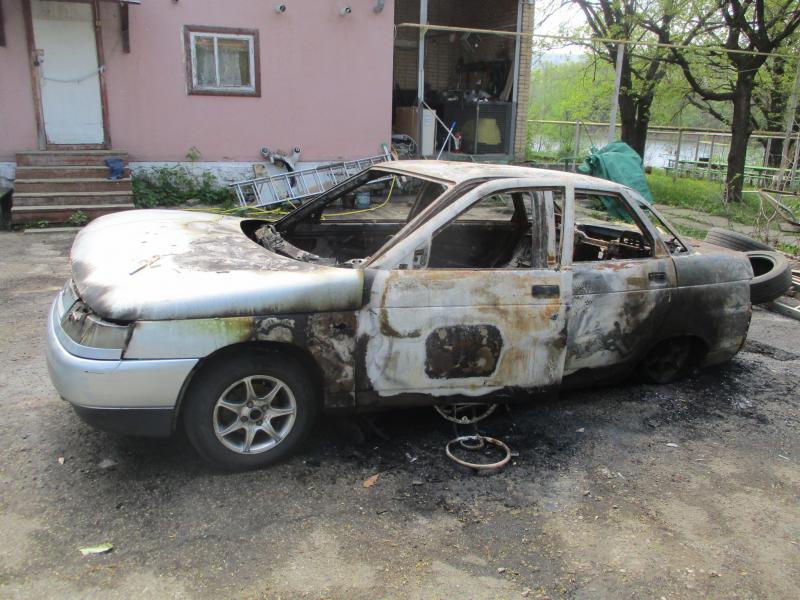 Дружили 10 лет: Под Тольятти мужчина сжег машину приятеля из-за ссоры