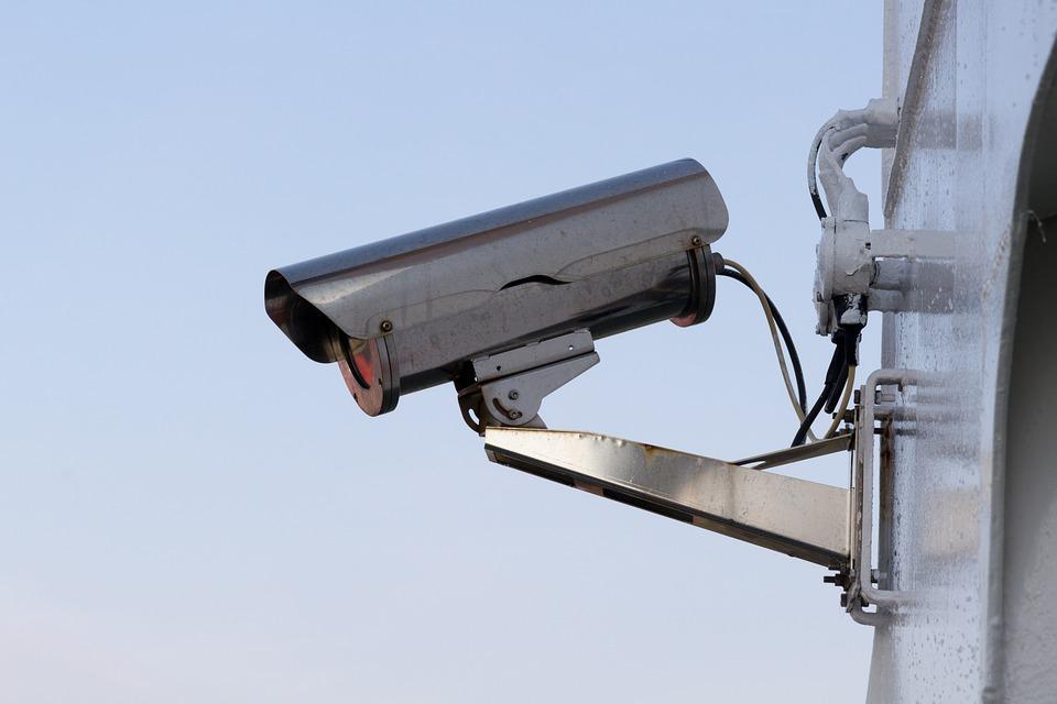 В школах Самарской области ставят видеокамеры с функцией распознавания лиц