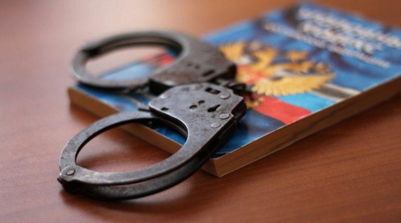 Снимала слепки с ключей: В Самарской области маникюрша обворовывала квартиры своих клиенток